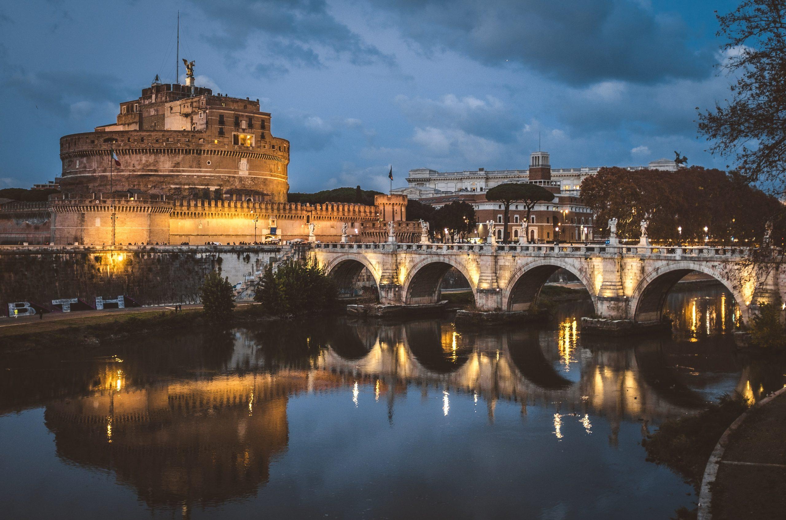 Roma Gay friendly
